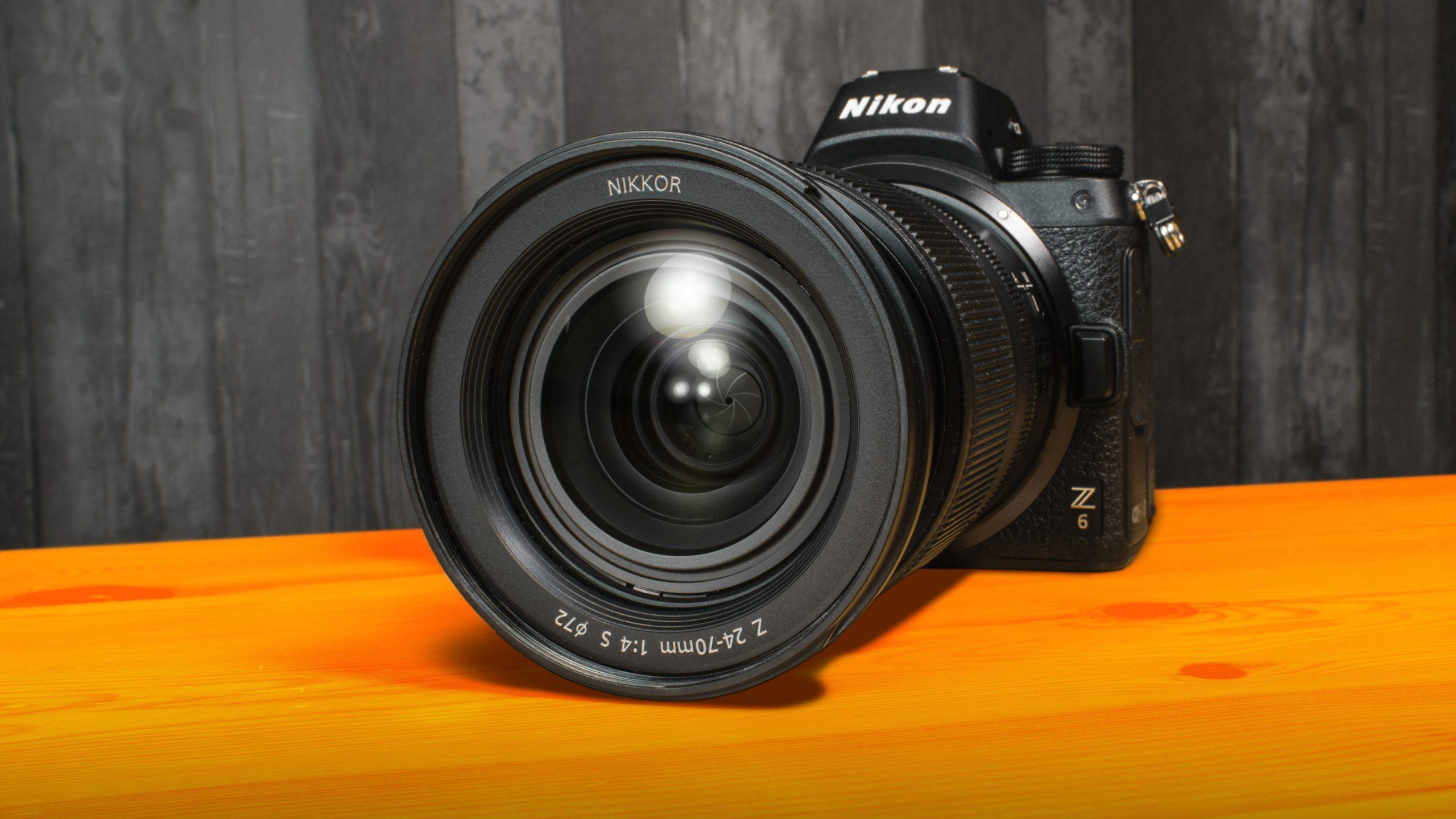 Close-up van de Nikon Z6-camera, een mogelijke optie voor de beginnende content creator.